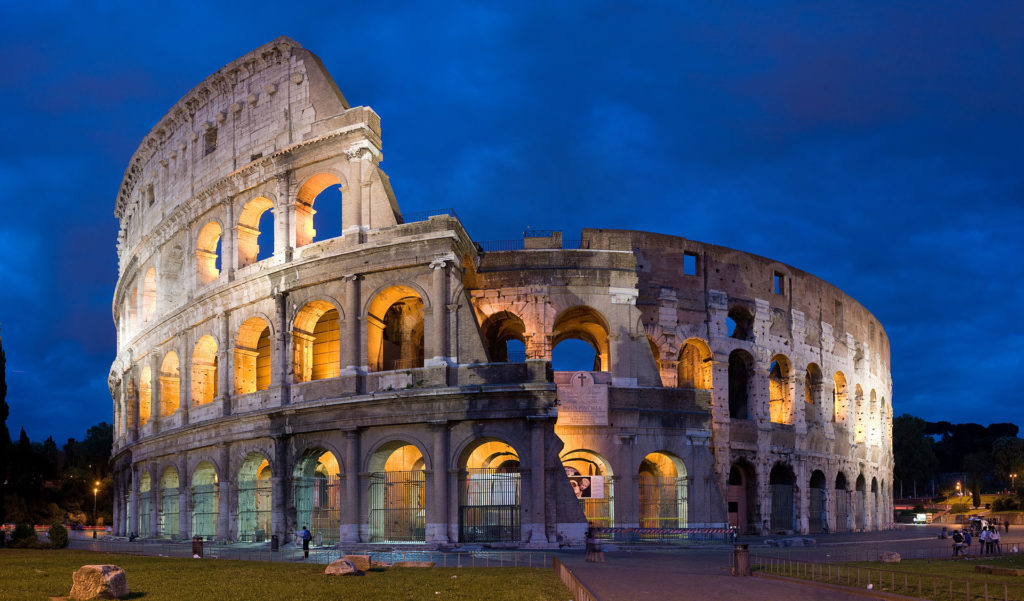 1920px-Colosseum_in_Rome,_Italy_-_April_2007
